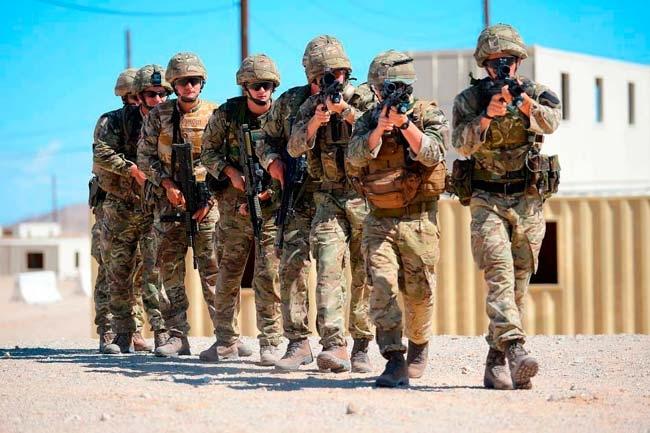 Фото британские солдаты в брюках